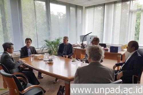 cover Kunjungi Radboud University Nijmegen Belanda, Rektor Unpad Sepakat Perluas Kerja Sama Riset