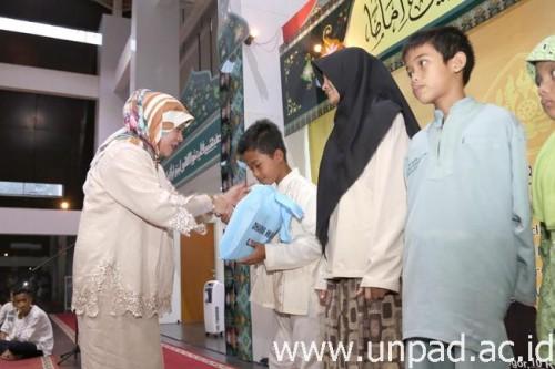 Foto Unpad Gelar Buka Puasa Bersama Civitas Academica dan Anak-anak Yatim Piatu