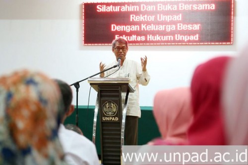 Foto [Unpad] Safari Ramadan, Rektor Sosialisasikan Koperasi Kosumen, Unit Zakat, dan Sistem Sinta