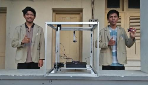 Foto Robot Pengecat Tembok Luar Gedung Bertingkat Karya Mahasiswa UGM