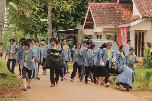 Foto Manfaat Kegiatan Bakti Sosial bagi Pelajar dan Mahasiswa