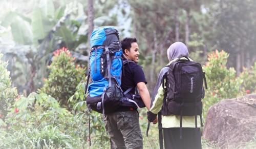 cover 7 Alasan Kenapa Pendaki Gunung Bisa Jadi Suami Idaman