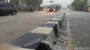 cover Hujan Deras Tanpa Henti, Yogyakarta Banjir dan Talud Longsor