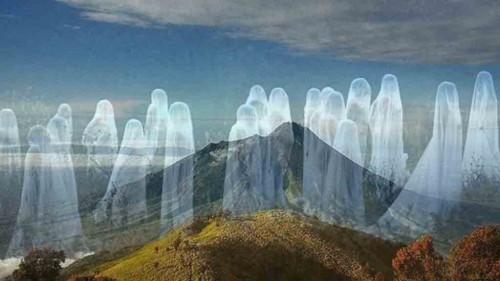 Foto Misteri Gunung Lawu  yg Angker