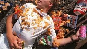 Foto Inilah bahaya tidur setelah makan.perlu kamu ketahui..!