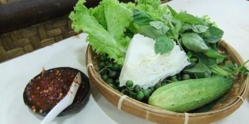 Foto Lalapan, salad ala lokal yang menyehatkan