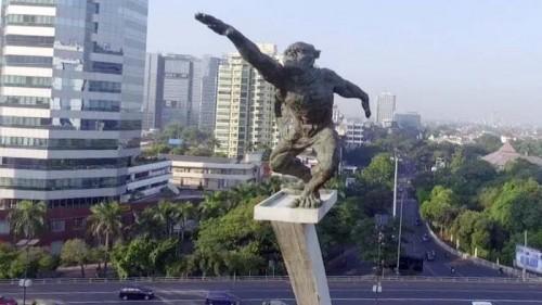 Foto Arah Tangan Menjulur di Patung Pancoran, Apa Artinya?