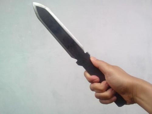 cover Kesalahan sering yang kita lakukan saat memegang pisau