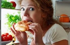 Foto Awas, Makan Larut Malam Bisa Tingkatkan Kanker!