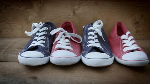 cover 7 Cara Menghilangkan Bau Sepatu Menggunakan Bahan Dapur!