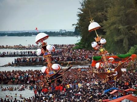 cover 5 Tradisi yang Masih Berlaku di Indonesia
