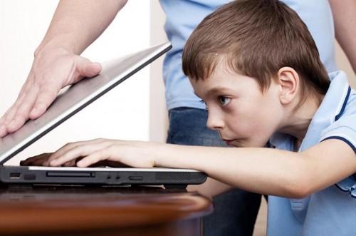 cover 10 Cara Mengatasi Kecanduan Game Online Pada Anak Paling Efektif