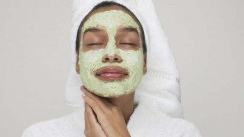 cover 5 Ramuan Masker Muka Berbahan Alami yang Bisa Dibuat Sendiri. Mudah, Murah dan Bebas Kimiawi!
