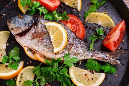 cover 7 Manfaat Baik Rutin Makan Ikan
