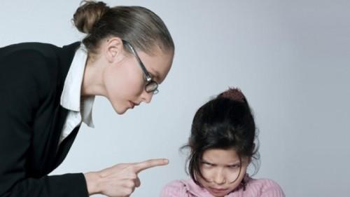 cover Beberapa Kesalahan Orang Tua dalam Menjaga dan Merawat Anak