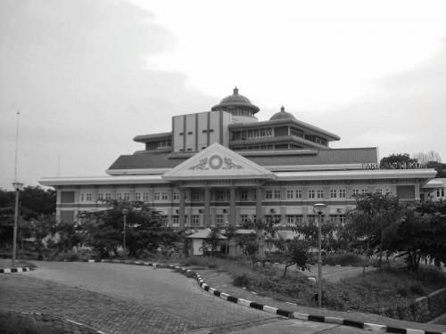 cover #KAMISMISTIS01 - 8 Kampus di Indonesia yang Memiliki Cerita Horor Paling Legenda