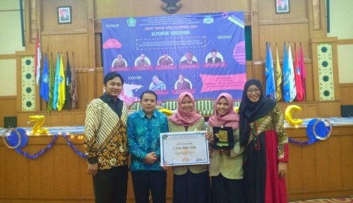 cover Mahasiswa UGM Juara Lomba Karya Tulis Nasional Zakat dan Wakaf