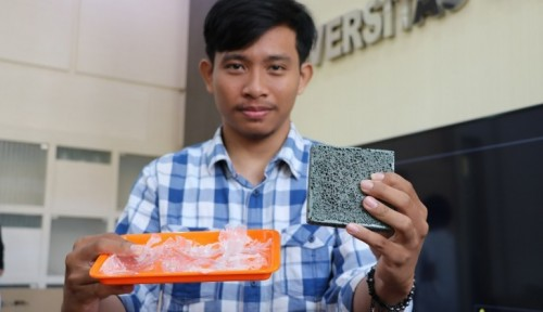 Foto Mahasiswa UGM Sulap Sampah Plastik Menjadi Komposit Beton