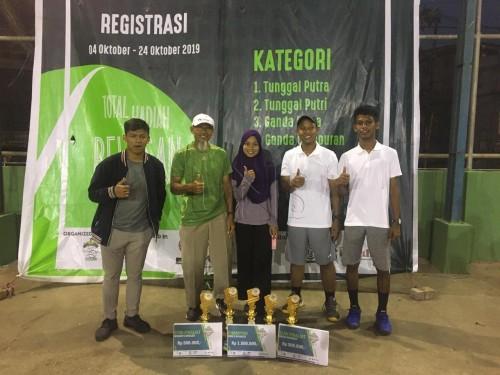 cover Mahasiswa UNS Borong Pialadalam Hasanudin Tenis Cup 2019