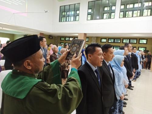 cover Mahasiswi Asal Myanmar Raih IPK Tertinggi dalam Pelantikan dan Pengambilan Sumpah Dokter FK UNS