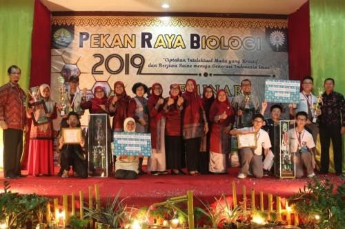 cover PEKAN RAYA BIOLOGI 2020 HADIR KAMBALI, BANYAK PERLOMBAAN YANG DAPAT DIIKUTI OLEH SISWA DAN MAHASISWA!