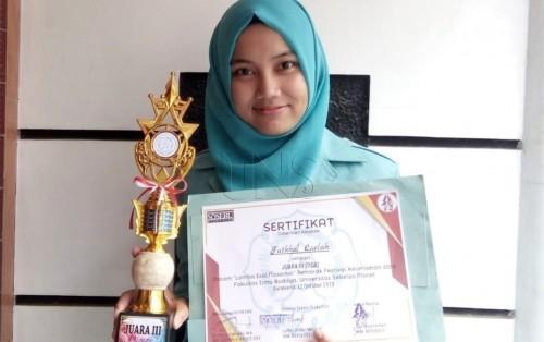 cover Telurkan Ide Aplikasi Pro Coming, Mahasiswa FIB UNS Raih Juara 3 Lomba Esai Nasional