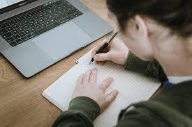 cover Tips memilih laptop untuk pelajar maupun mahasiswa