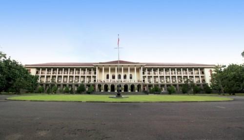 cover UGM Duduki Peringkat 19 Perguruan Tinggi se-Asia Versi 4ICU